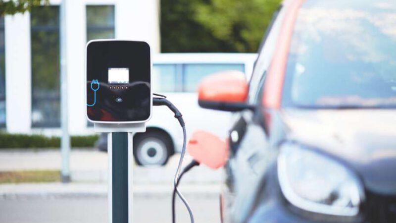 Elektromobilität – Hybrid oder Vollelektrisch?